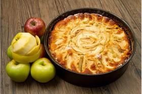 Пирог сдобный с яблоком и корицей - Фото