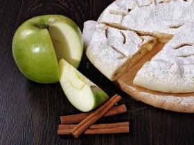 Пирог с яблоками и корицей - Фото