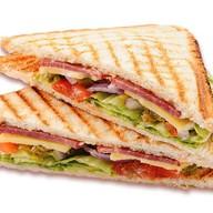 Клаб-сэндвич с ветчиной Фото