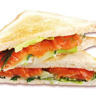 Клаб-сэндвич с лососем Фото