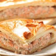 Пирог сдобный с горбушей и зеленью Фото
