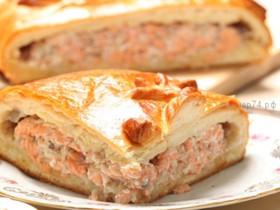 Пирог сдобный с горбушей и зеленью - Фото