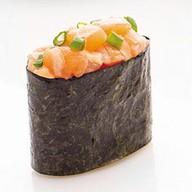 Гункан лосось спайси Фото