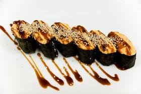Ассорти из остро запеченных суши - Фото