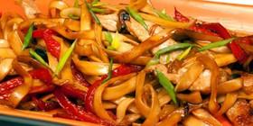 Лапша Удон с овощами и свининой - Фото