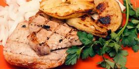 Барбекю из свинины с яблоками - Фото