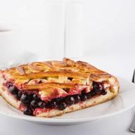 Пирог со смородиной Фото
