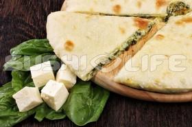 Осетинский с сыром и шпинатом - Фото