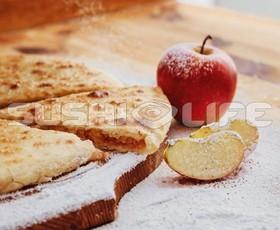 Осетинский с яблоком и корицей - Фото