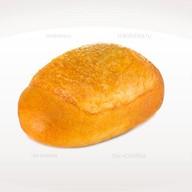 Пирожок с куриным филе и сыром Фото