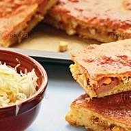 Пирог с капустой и сосисками Фото
