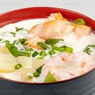 Сливочный суп с пастой том ям Фото