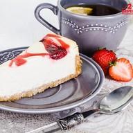 Пирожное Чизкейк клубничный Фото