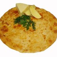 Осетинский пирог с сыром и картофелем Фото