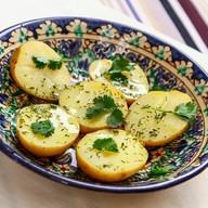 Картофель отварной с зеленью Фото