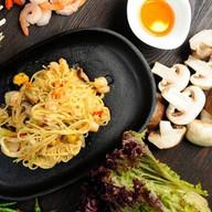 Вок лапша с морепродуктами Фото