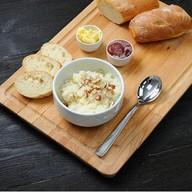 Каша рисовая с медом орехами и фруктами Фото