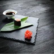 Гункан с креветкой и сыром Фото