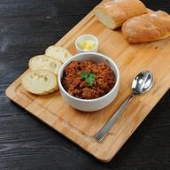 Каша гречневая с говядиной и соусом Фото