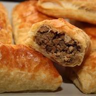 Пирожки слоеные с мясом Фото