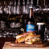Сендвич с пастрами Фото