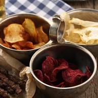 Домашние чипсы из местных овощей Фото