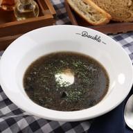 Густой суп из лесных грибов Фото
