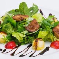 Салат с фуа-гра Фото