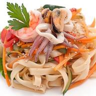 Удон с морепродуктами Фото