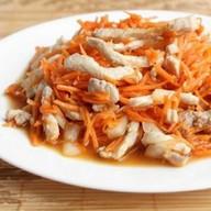 Салат с курицей и морковью по-корейски Фото