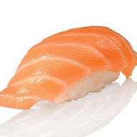 Суши с соленым лососем Фото