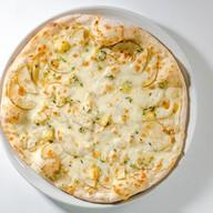 Пицца с грушей и блючиз Фото