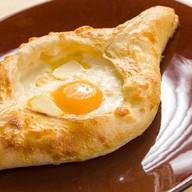 Аджарский с сыром и яйцом Фото