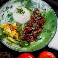 Курица кунбао с китайским рисом Фото