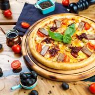 Свинина BBQ,сыр чеддер и карамельный лук Фото