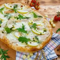 Римская пицца с индейкой и яблоком Фото