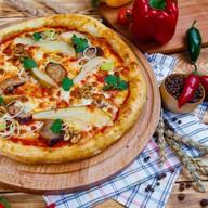 Пицца с уткой по-пекински Фото