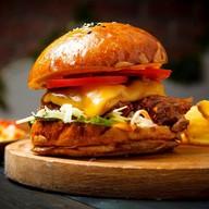 Бургер с рваной свининой Фото