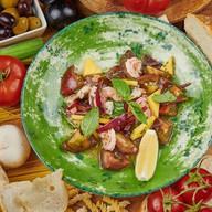 Салат с креветками по-каталонски Фото