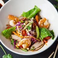 Салат со свининой и креветкой Фото