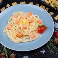 Спагетти с форелью в сливочном соусе Фото