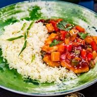 Свинина в кисло-сладком соусе с овощами Фото