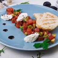 Тартар из тунца со сливочным сыром Фото