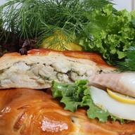 Пирог с белой рыбой Фото