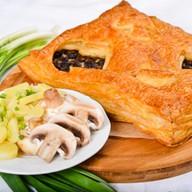 Пирог с грибами и картофелем (слоеный) Фото