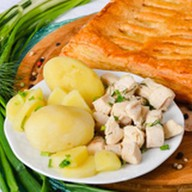 Пирог с курой и картофелем (слоеный) Фото