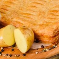 Пирог с фаршем и картофелем (слоеный) Фото