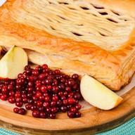 Пирог с яблоками и брусникой (слоеный) Фото