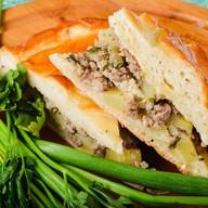 Пирог с мясным фаршем и картофелем Фото