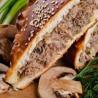 Пирог с мясом (говядина) и грибами Фото
